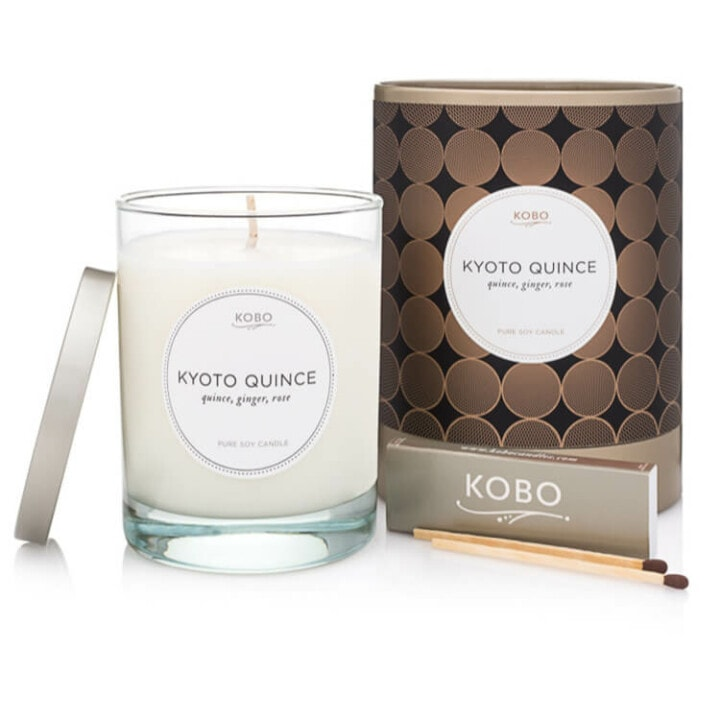 candle product photography